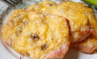 Мясо под сыром в духовке (без лука)