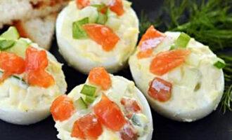яйца фаршированные красной рыбой